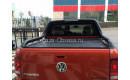 """Алюминиевая крышка кузова Rollback с дугами """"Afcarfiber"""" на Volkswagen Amarok"""