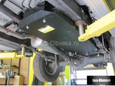 Стальная защита топливного бака на Toyota Hilux с 2015г. выпуска