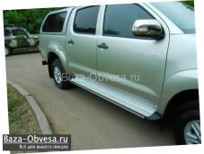 """Пороги алюминиевые """"Toyota"""" на Toyota Hilux с 2011 до 2015г. выпуска"""