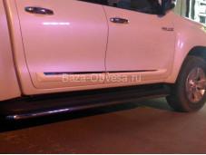 """Белые молдинги боковых дверей """"WINBO"""" на Toyota Hilux с 2015г. выпуска"""
