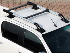"""Рейлинги из экструдированных труб Maxport Black/Chrome """"Voyager"""" на Toyota Hilux"""