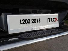"""Рамка номерного знака """"TCC"""" на Mitsubishi L200 с 2015г. выпуска"""