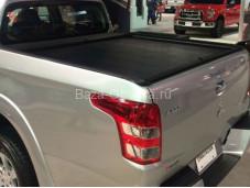 """Алюминиевая крышка кузова """"Roll-N-Lock"""" на Mitsubishi L200 с 2015г. выпуска"""