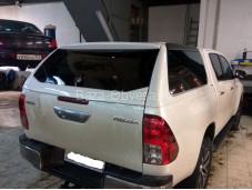 """Кунг из стекловолокна """"RoadRanger"""" на Toyota Hilux с 2015г. выпуска"""
