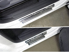"Накладки на внутренние пороги VWAMAR17-43 ""TCC"" на Volkswagen Amarok"