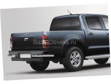 Защита заднего бампера уголки D76 на Toyota Hilux до 2015г. выпуска