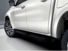 Пороги оригинальные черные на Mercedes-Benz X-Class