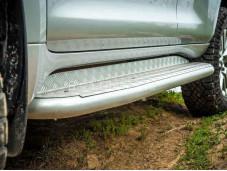 """Пороги силовые """"РИФ"""" на Toyota Prado 150 с 2009г. выпуска"""