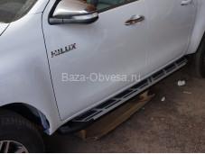 """Пороги алюминиевые Corund Silver TOHL.53.3432 """"Can Otomotiv"""" на Toyota Hilux с 2015г. выпуска"""