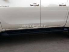 """Пороги OE-Style """"WINBO"""" на Toyota Hilux с 2015г. выпуска"""