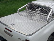"""Защитная дуга 76,1 мм в кузов с защитной сеткой стекла """"TCC"""" на Toyota Hilux с 2015г. выпуска"""