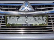 Рамка номерного знака на Pajero Sport III с 2015г. выпуска