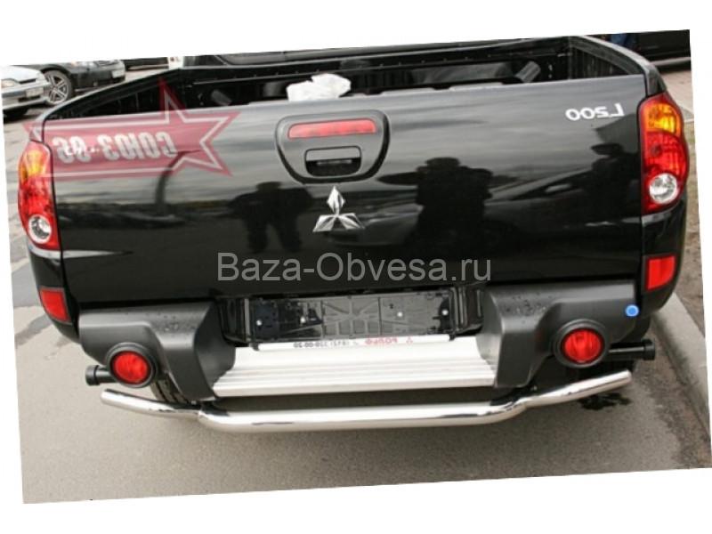 Защита заднего бампера труба D60-42 на Mitsubishi L200 Triton до 2014г. выпуска